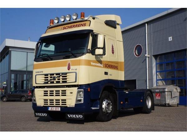 شاحنة جرار Volvo FH12-460 Globetrotter