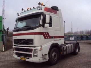 شاحنة جرار Volvo FAL8.0 RAD-A4