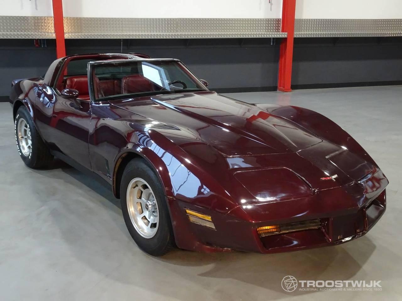 Kekurangan Corvette V8 Spesifikasi