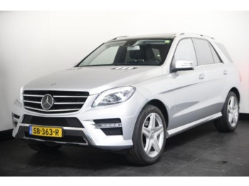 سيارة Mercedes-Benz M-Klasse ML 350 CDI 258pk Aut AMG Sport 4-Matic Full Options Navi Leder Xenon Luchtvering Panorama Distronic Memory Camera Standkachel 20