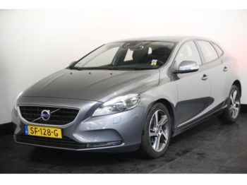 سيارة Volvo V40 1.6 D2 114pk You Navi Xenon 17''