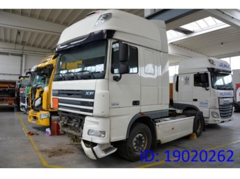 DAF XF105.460 Super Space Cab - شاحنة جرار
